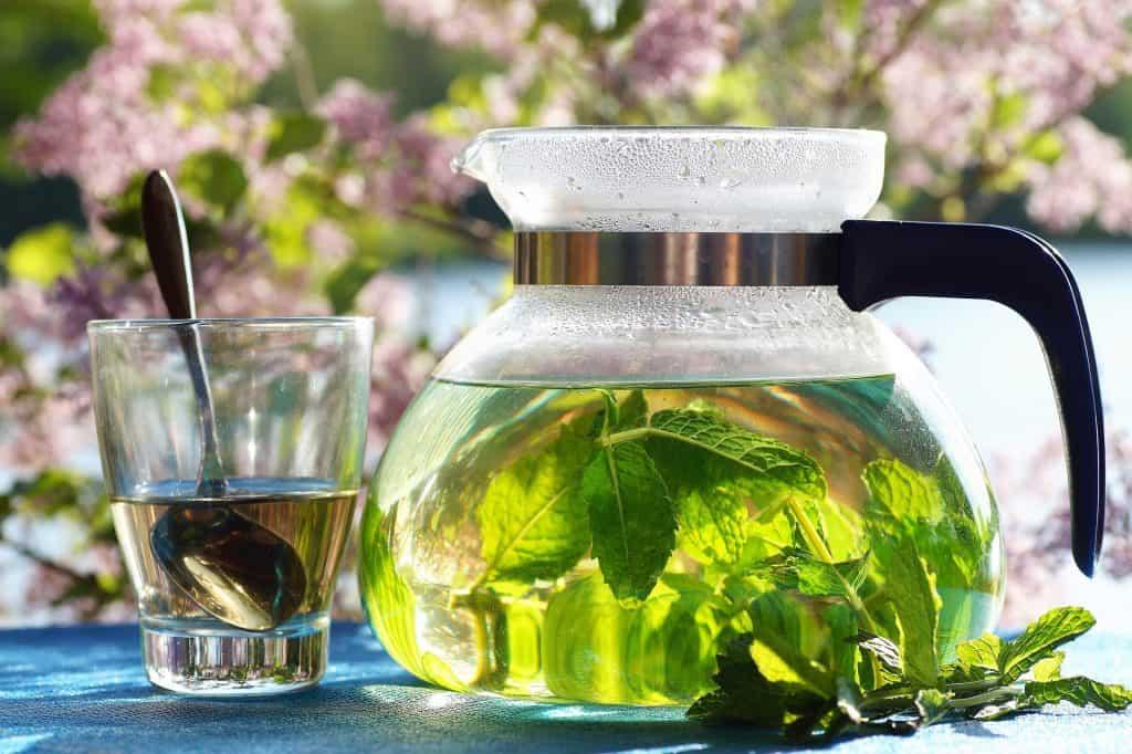achtsamer Tee trinken